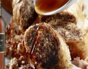 Η σεφ Ντίνα Νικολάου δημιουργεί ένα «ερωτεύσιμο» γλυκό